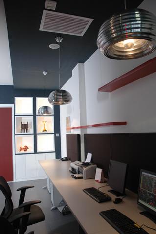 現代風格辦公室裝修案例效果圖